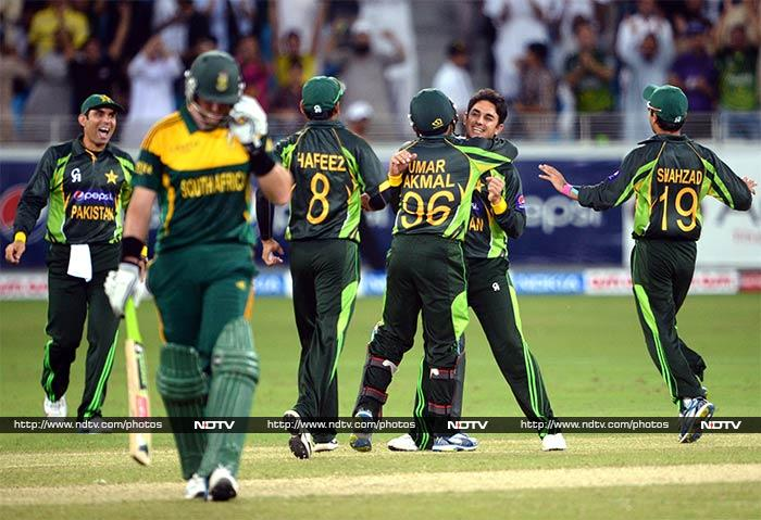 Pakistan's bowling won them the game with a 66-run win in the 2nd ODI to level the series against South Africa. (All AFP Photos)