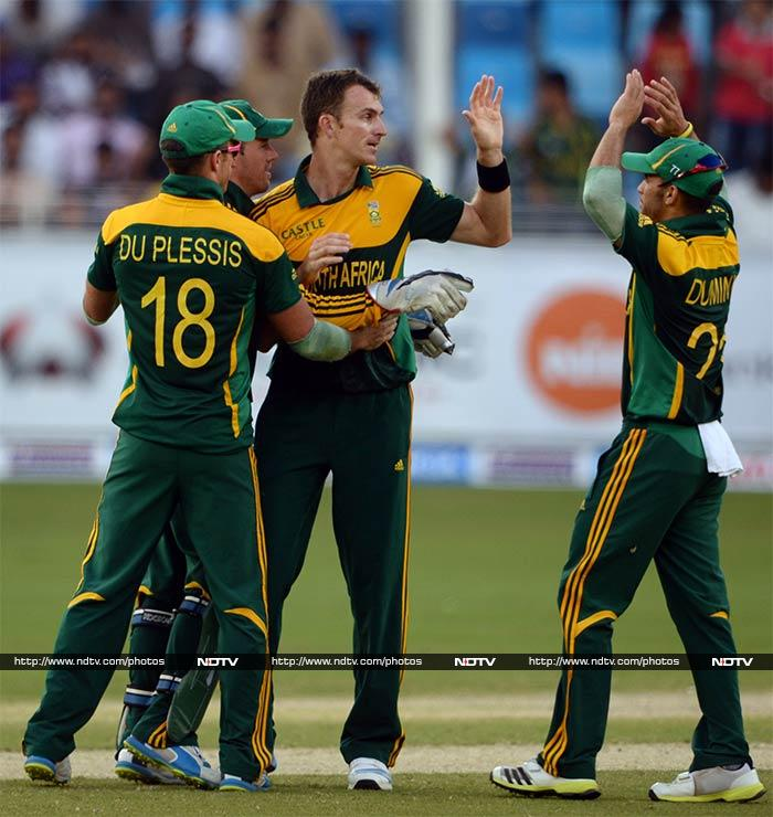 Ryan McLaren was the pick of the bowlers with 4/34 as South Africa were all out for 209.
