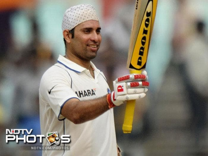 <b>167 vs Australia at Sydney 2000 Australia won by an innings and 141 runs:</b> On a tour which had nothing to remember for Indian cricket, VVS Laxman was their silver lining. On a fast pitch at the SCG the Indian innings folded for 261 runs out of which 167 were scored by Laxman. The way he handled the likes of Warne and McGrath in difficult conditions showed that here was a budding talent who could go on to shine for India in the future.