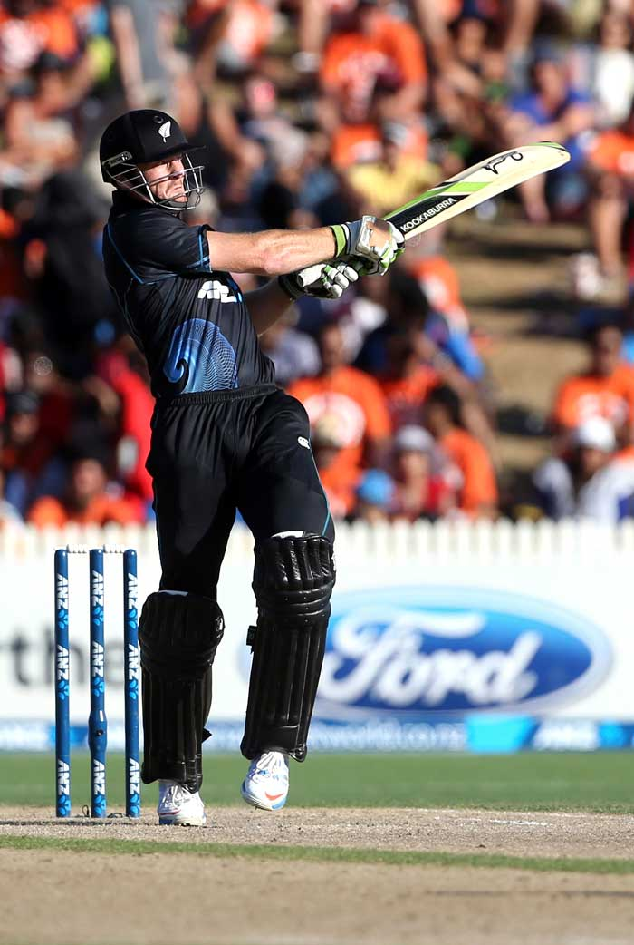New Zealand's 279-run chase was off to a rollicking start with Martin Guuptill and Jesse Ryder shared a 54-run opening wicket stand inside 8 overs.