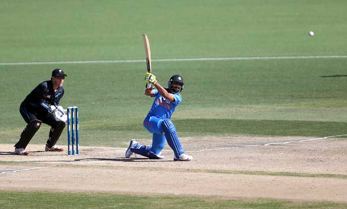 But it was soon that Jadeja started taking on the Kiwi bowlers, hammering as many as 2 sixes and 8 fours in his 54-ball 62*.