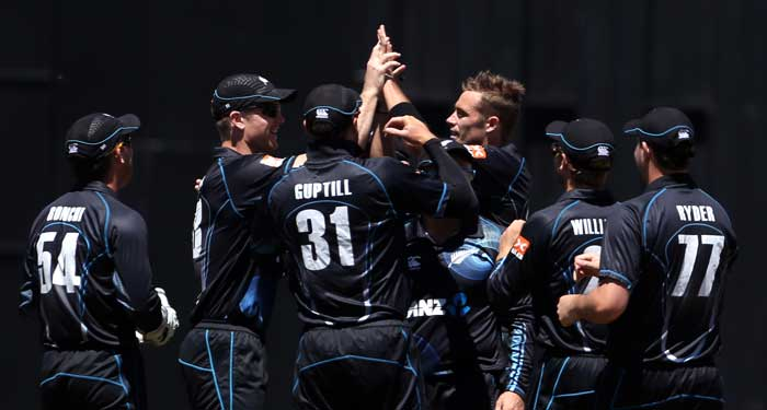 India were in a tricky situation, two down for 22 inside 9 overs. Kiwi seamer Tim Southee troubled Indians with pace and bounce and it worked as both Kohli and Rahane were out playing a pull shot.