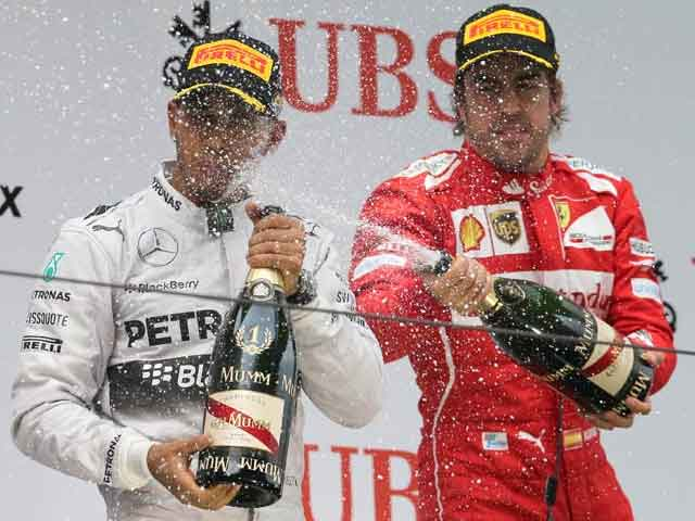 Chinese Grand Prix: Hamilton's third win on the trot