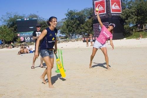 Layne Beachley bowls on the beach. (Cricket Australia)