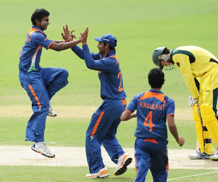 The Indian bowlers kept the Australian batsmen in check and at one point had them at 38/4. (AP Photo)