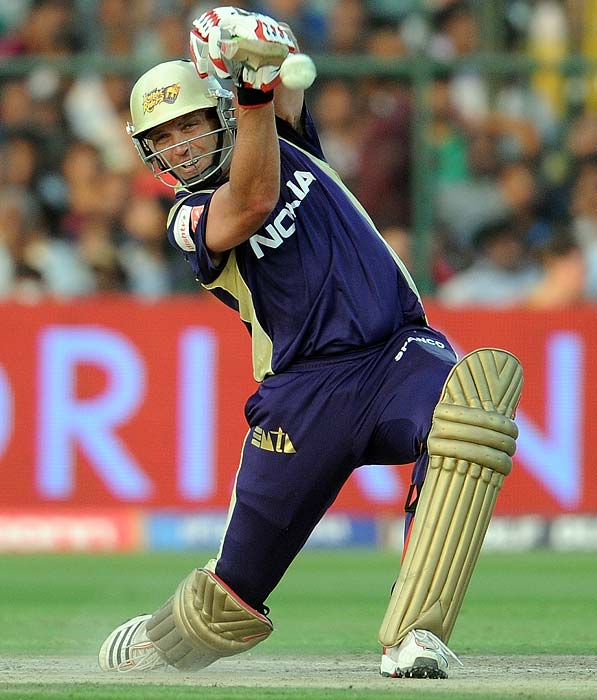 Jacques Kallis: The Protean all-rounder has been one of the most unforgiving batsman in the current tournament, so far. Switching positions repeatedly in the list of top run getters from all sides, Kallis smashed 54 in the opening game against CSK and has repeatedly given his side a solid foundation.