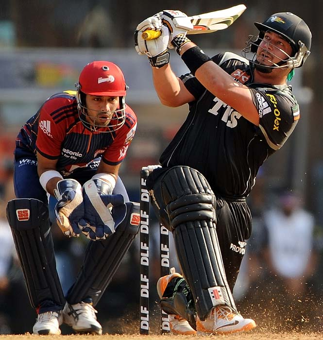 Jesse Ryder: The Kiwi opener for Pune Warriors smashed 60 off 27 balls to nearly humiliate an already demoralised Delhi bowling attack at the DY Patil stadium. His armoury of shots was studded with five boundaries and an equal number of sixes. That's 50 runs in shots beyond the boundary alone.