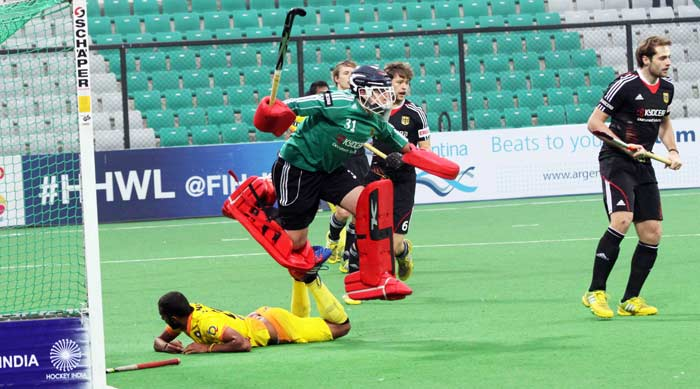 India put on some attacking display and kept gunning for goals. Mandeep Singh bagged his third of the game in the 53rd minute to India 4-3 ahead.