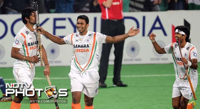 Hockey is a team sport and the Indian team held strong to the spirit of combining well to strike at will. SV Sunil (43rd) and Raghunath Vokkaliga Ramachandra (center in pic) (55th) sealed the match for the hosts.