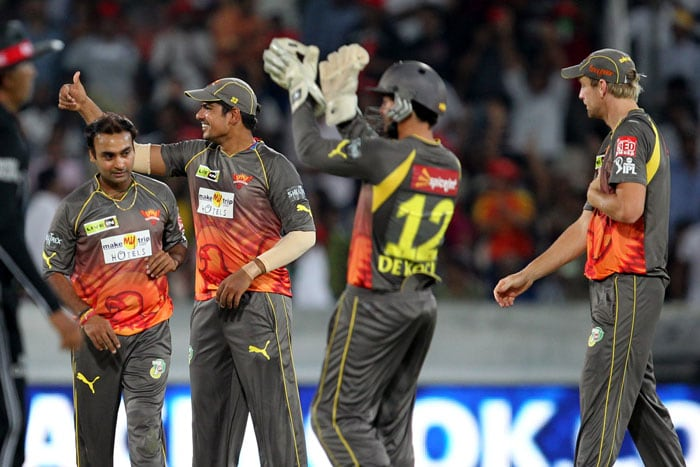 A flurry of wickets at the end saw Kings XI Punjab gift away their decent position to Sunrisers Hyderabad in the 25th match of the Indian Premier League 2013, being played in Hyderabad. From being 104/4 in 16.2 overs, the visiting side capitulated to 123/9 as Amit Mishra starred again for the home side. He took 2/29 while young Karan Sharma took 2/19. Ishant Sharma and Dale Steyn were equally impressive with figures of 2/29 and 1/14 respectively. (BCCI Image)