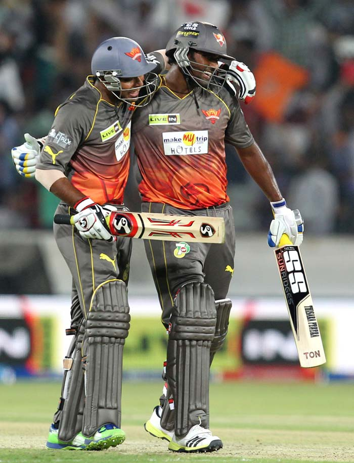 It took hefty blows from Thisara Perera at the end to give Hyderabad a much deserved win. That, after a clinical bowling performance yet again as Amit Mishra came to the party to trigger a late Punjab batting collapse. (BCCI Image)