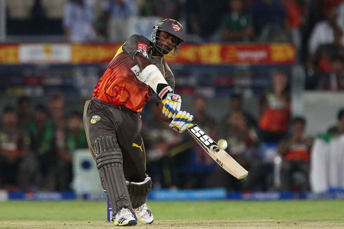 Punjab bowlers did tighten up the noose in the middle overs but clean hitting by Thisara Perera at the end ensured that Hyderabad did not have any trouble in crossing the line. He scored 23 off 11 balls with three huge hits across the fence. (BCCI Image)