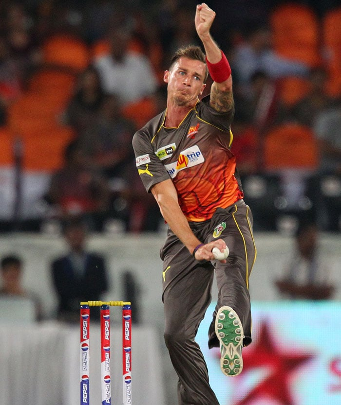 Debutant Hyderabad Sunrisers failed to impress the crowd with their bat but the bowling department did a wonderous job as Warriors were all out for 104.