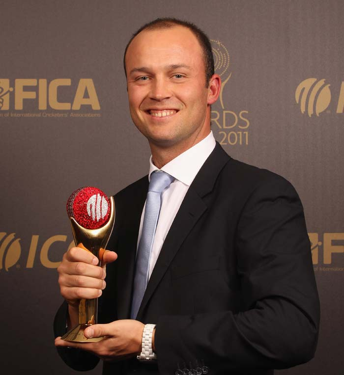 Jonathan Trott of England with his ICC Cricketer of the Year Award. (Photo by Tom Shaw/Getty Images)