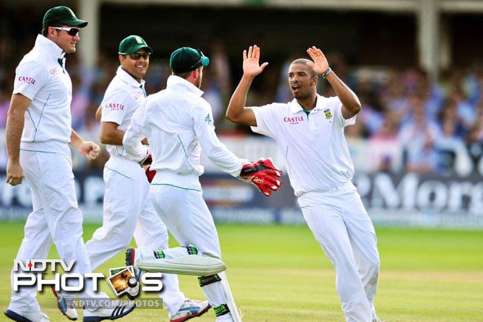 <b>Vernon Philander (South Africa):</b> This South African pacer made his Test debut in November last year and soon formed the deadly pace trio with Dale Steyn and Morne Morkel. In nine Tests, Philander picked 56 wickets. And stats show, his success with the ball is directly proportionate to his team's victories.