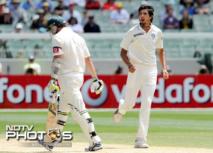 Ishant Sharma gives a send-off to Ben Hilfenhaus after dismissing him on the fourth day of the first Test match between Australia and India at the Melbourne Cricket Ground in Melbourne. (AFP Photo)