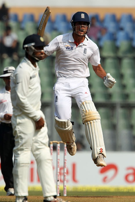 Alastair Cook made an unbeaten 18 runs while Compton made an unbeaten 38. (Pic Courtesy: BCCI)
