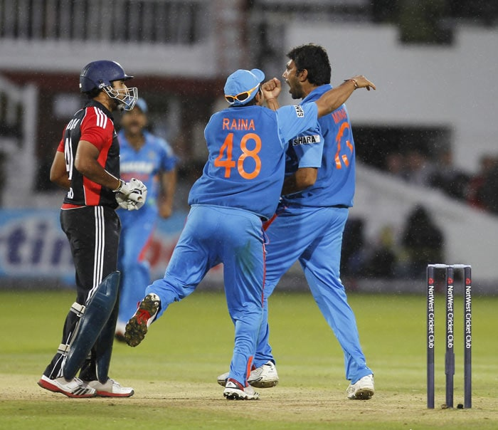Munaf Patel celebrates taking the wicket of Ravi Bopara for 96 runs during the fourth ODI between England and India at Lord's in London. (AFP Photo)