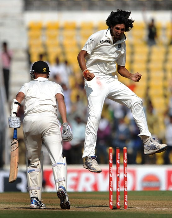 Ishant Sharma celebrates after taking the last wicket of Chris Martin as India won the third and final Test at the Vidarbha Cricket Association Stadium in Nagpur. (AFP Photo)