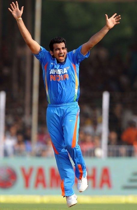 Zaheer Khan appeals against Ross Taylor during the third ODI at the Reliance stadium in Vadodara. (AFP Photo)
