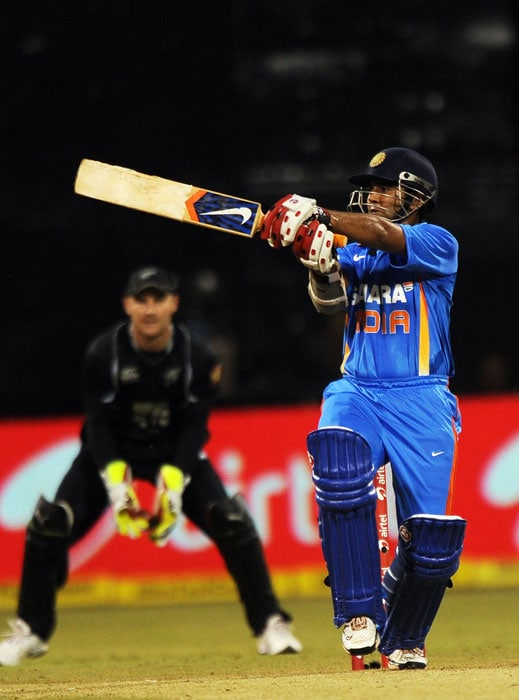 Parthiv Patel plays a shot during the fourth ODI between India and New Zealand in Bangalore. (AFP Photo)