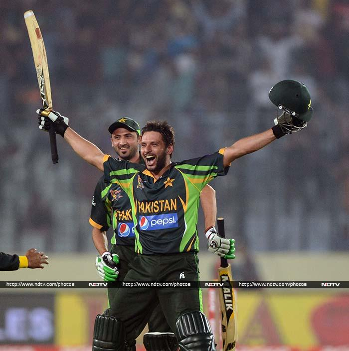 Shahid Afridi turned back the clocks by soaking up the pressure and smashing two huge sixes off Ashwin to seal an enthralling one-wicket win for Pakistan.