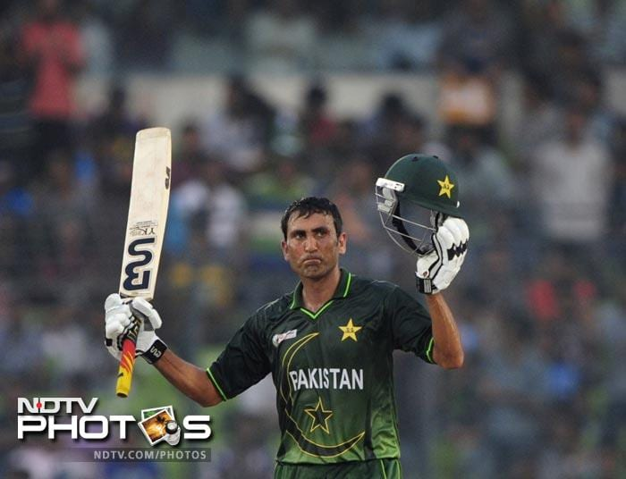 Younus Khan gestures after scoring a half-century (50 runs) during the 5th ODI of the Asia Cup between India and Pakistan at the Sher-e-Bangla National Cricket Stadium in Dhaka. (AFP Photo)