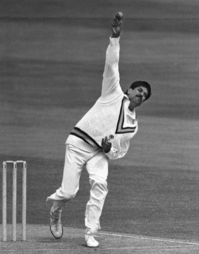 It was one the bowler-dominated matches. In the Rothmans Four-Nations Cup opening match, India were put in to bat. Pakistan's Imran Khan trampled the Indian batting with his six-wicket haul and bundled them for just 125 runs. Mohammad Azharuddin top-scored with 47 runs while skipper Kapil Dev remained unbeaten with 30 runs.<br><br>Kapil motivated his teammates with his pep talk and it surely did wonders. A combined bowling effort sent Pakistan packing for just 87 runs. Rameez Raja was the leading scorer with 29 runs.