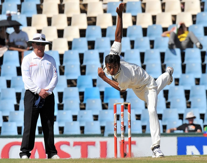 Jaidev Unadkat bowls on the second day of the first Test between India and South Africa at the SuperSport Park in Centurion. (AFP Photo)