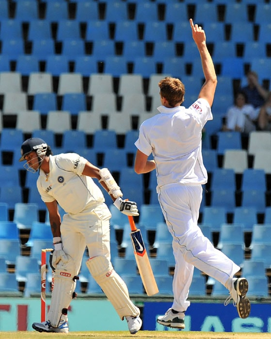 South African Morne Morkel celebrates dismissing Indian Shanthakumaran Sreesanth for three runs on the fifth day of the first Test at SuperSport Park in Centurion. (AFP Photo)