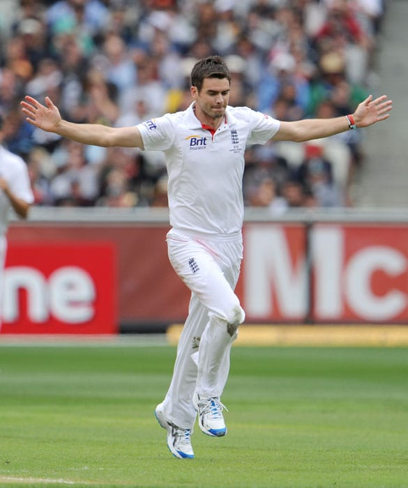 England bowler James Anderson celebrates dismissing Australian batsman Steve Smith on the first day of the fourth Ashes Test match in Melbourne. (AFP Photo)