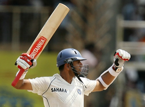 Despite their strengths and brilliant past records, both India and South Africa have their share of troubles. The Indian side is missing key players like Rahul Dravid, recuperating a broken jaw, Yuvraj Singh nursing his left wrist and pacer Sreesanth. While Sreesanth, who is missing the action due to a hamstring injury, is hopeful of making a comeback in the second Test.<br><br>On the other hand, South Africa will be playing under new coach Corrie van Zyl as former coach Mickey Arthur resigned before the tour. To add to their woe, the South African board had sacked the entire selection panel. Proteas skipper Smith was, however, confident the team would recover from the recent setbacks and perform well. (Pic: AFP)