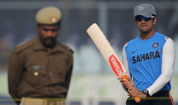 Rahul Dravid arrives for a training session at the Green Park Stadium in Kanpur on the eve of the second Test between India and Sri Lanka.