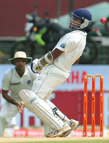 Mahela Jayawardene avoids a bouncer from Ishant Sharma during the second day of the second Test match between Sri Lanka and India in Colombo. (AFP Photo)