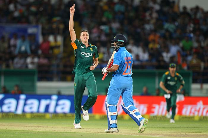 Morne Morkel took two wickets in two balls to peg India's chase back.