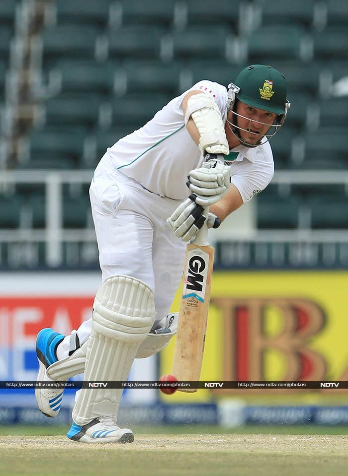 With a target of 458, South Africa openers Smith and Alviro Petersen began steadily. Smith was even dropped by Kohli although it was half-a-chance.