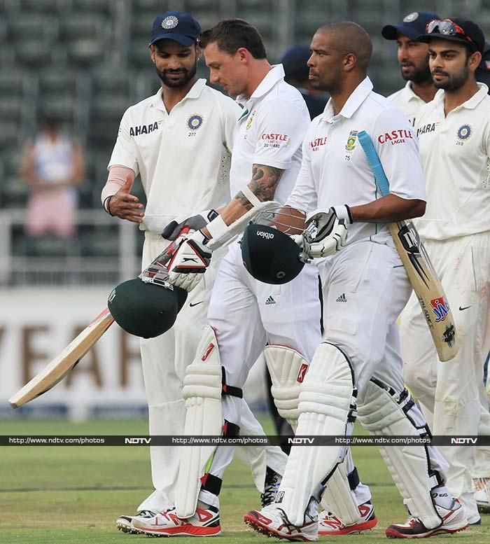 India started the final day of opening Test with the edge. Hosts South Africa though dominated the entire day and closed in on a historic win, only to halt eight runs short of the 458 needed.<br><br>A look at the highlights.<br><br>Images courtesy AFP and AP.