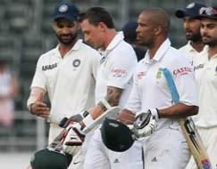 Photo : India snatch draw as SA choke in record chase