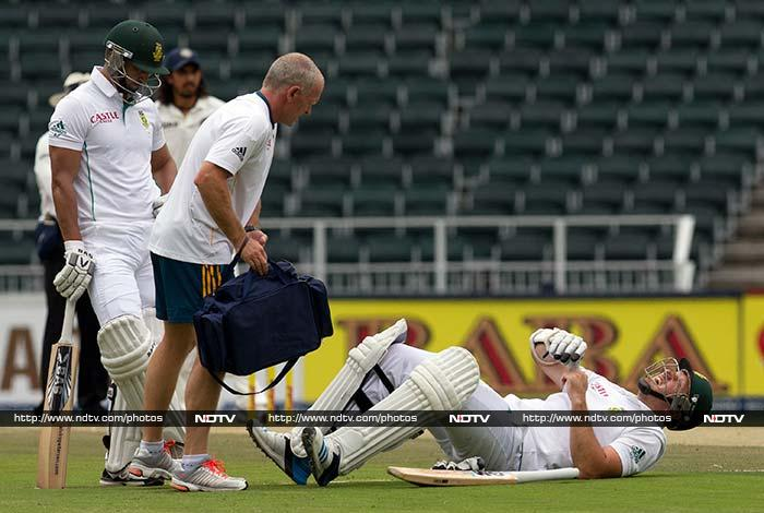 The hurt was more painful because South Africa had made a solid start courtesy Graeme Smith and Alviro Petersen. <br><br> While Smith (in pic) was struck on his body early into the innings, he managed to resist Indian pacers.