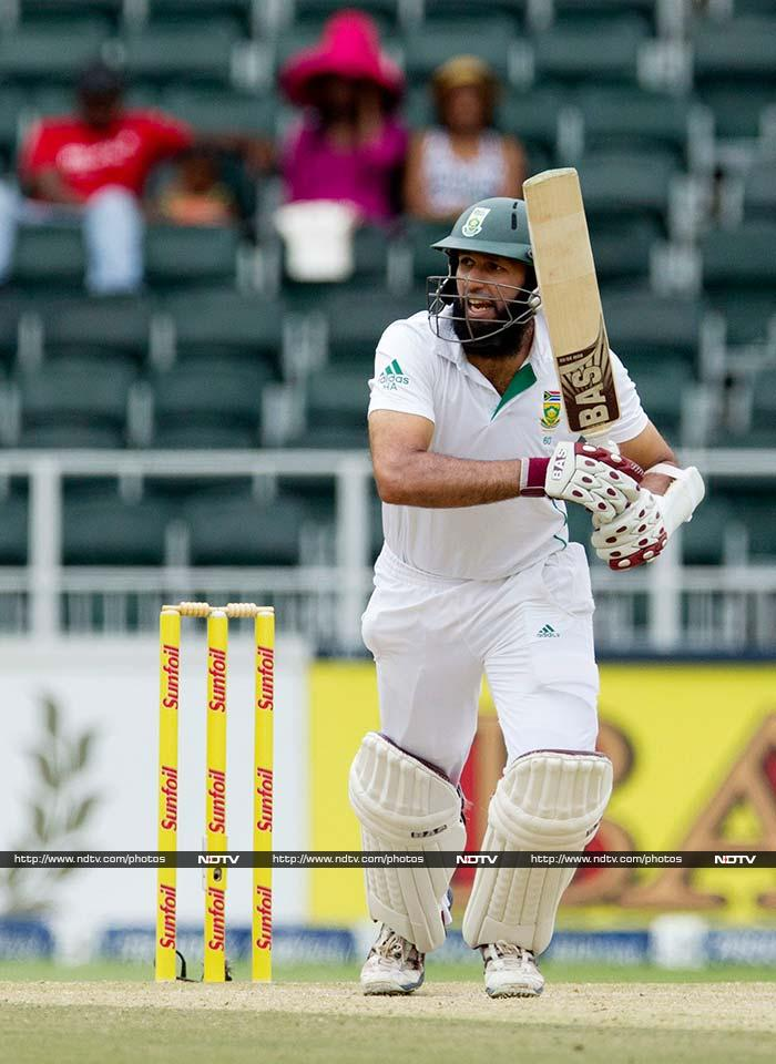 At the other end, Hashim Amla too played a responsible knock and his 36 added to India's frustration. From 118/1 at tea though, the script changed.