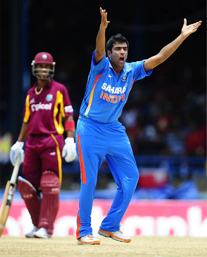 The hosts could not replicate their start with the ball once they came to bat. R Ashwin struck the first blow when he removed Lendl Simmons in the fourth over.