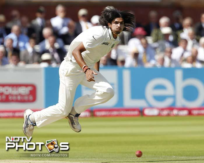 In the absence of Zaheer, the mantle of opening the bowling fell on Ishant Sharma and Praveen Kumar.