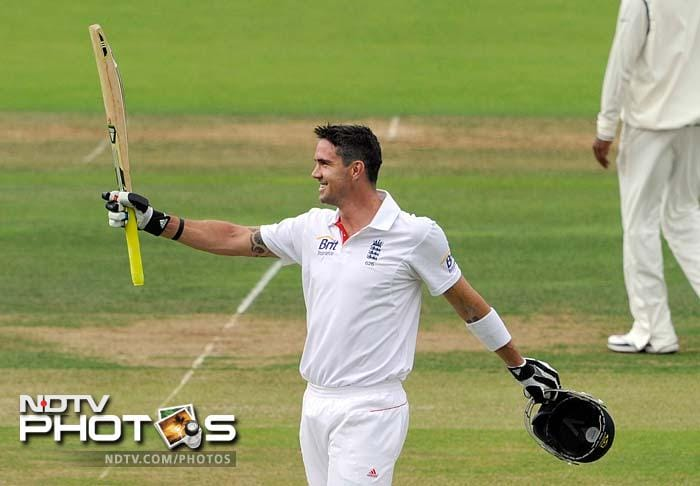 Pietersen eventually went on to bring up his century, a valient effort that took him 216 deliveries.