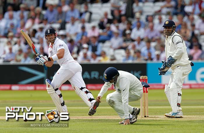 Pietersen held his own despite the setbacks and took England to tea at 305 for 5.