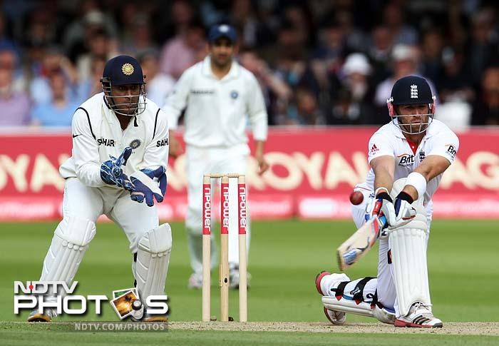 Matt Prior came out with KP in the final session of play and gave him solid support. He brought up his fifty and struck together a 120-run partnership with him.