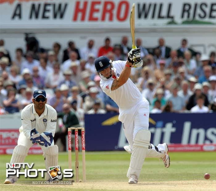 Bell had the support of Kevin Pietersen. Not a new hero but KP too got his eye in and the duo stitched a partnership worth 162 runs for the third wicket.
