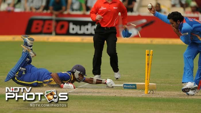 Sri Lankans had spirited performances from certain players however. Mahela Jayawardene (43) is seen here diving to save his wicket. He gave good support to Dinesh Chandimal who scored 81.