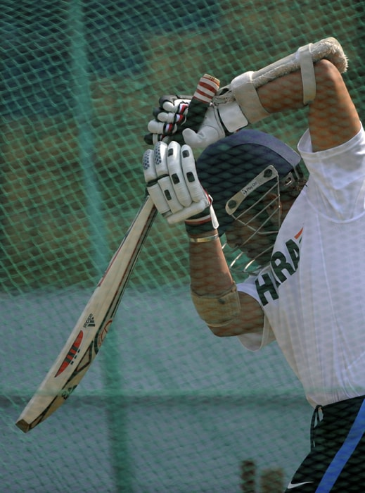 The Perfect Stance: Sachin Tendulkar is seen here at the nets at Zohur Ahmed Chowdhury Stadium in Chittagong. (AFP PHOTO)
