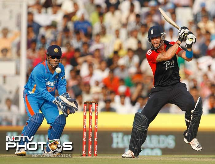 Pietersen proved that he is back in form in ODIs as he made 64 off 61 balls, following up his 46 in the 2nd ODI at Delhi.