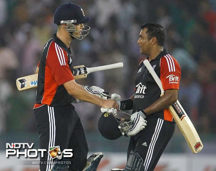 Jonathan Trott and Samit Patel put on 103 runs in 11.5 overs for the 5th wicket, although the major contribution came off Patel's bat.